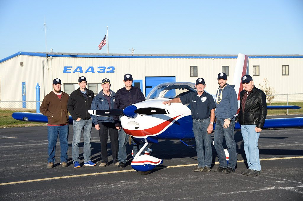 A St. Louis-area flying club involving members of EAA Chapter 32 served as a model for local flying clubs that encourage and support those in that region who want to learn to fly. (EAA Chapter 32 photo)